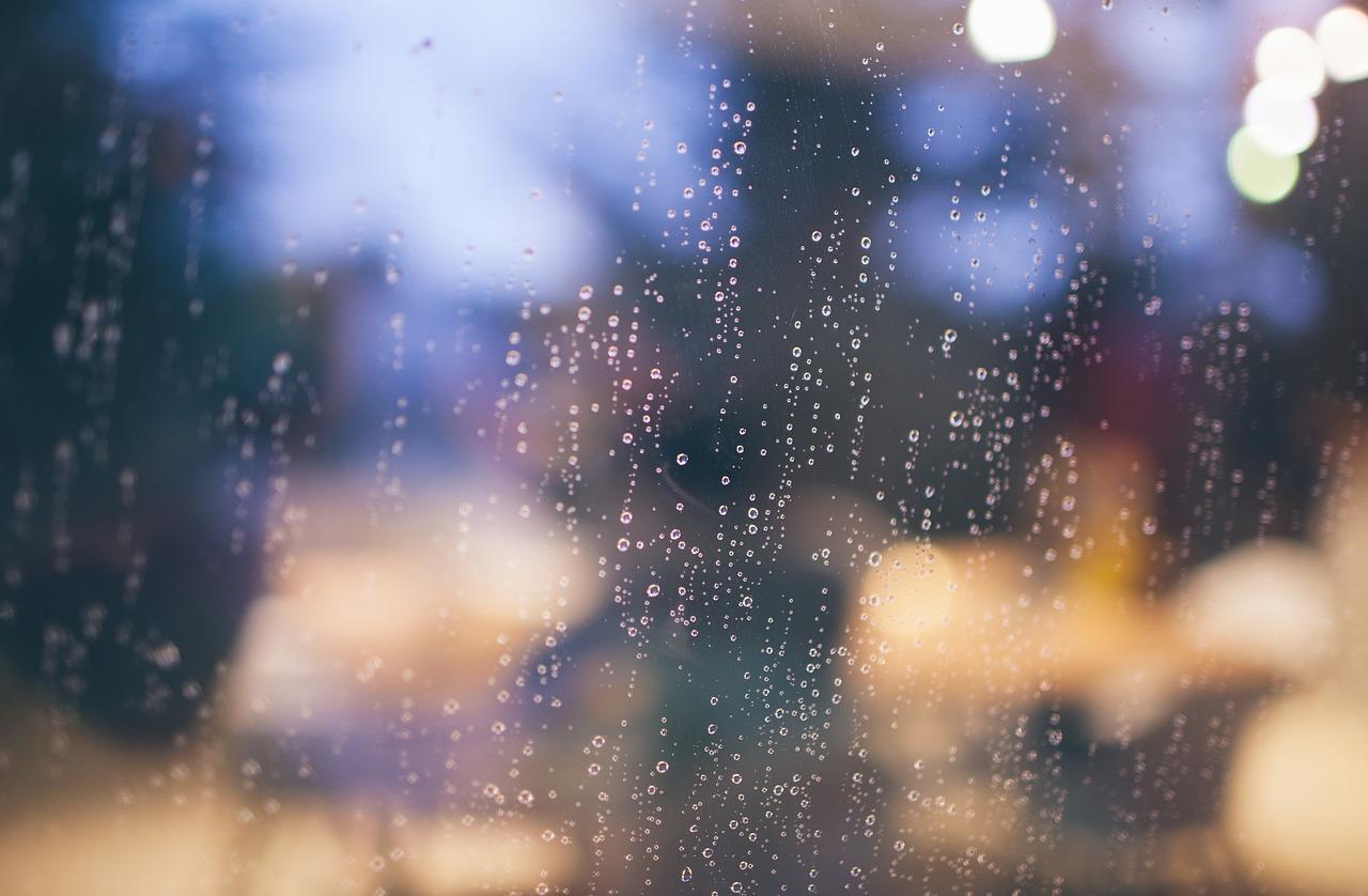 raining-690930_1280